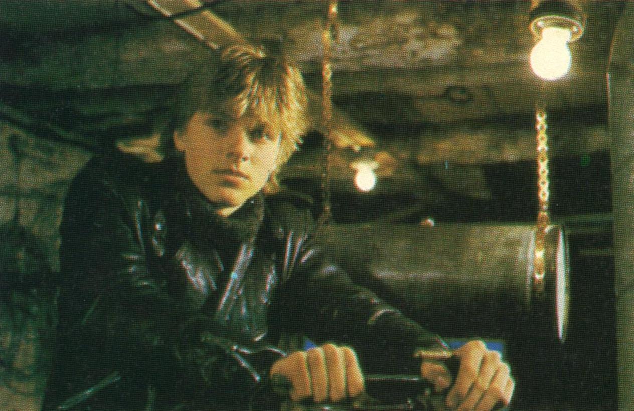 Ståle spilles av Finn Jeremiassen fra Brettesnes i Lofoten. Her i sjøbua med motoren sin.