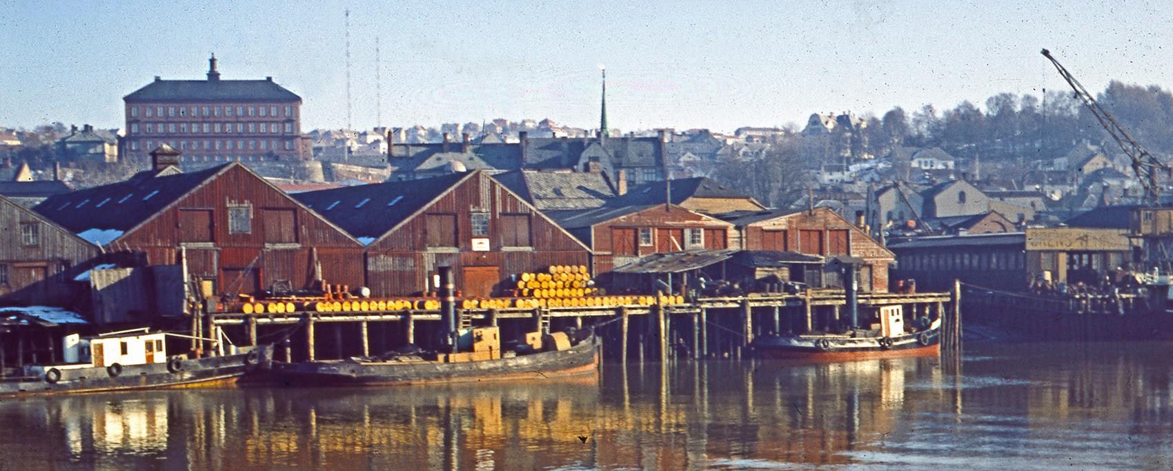 Nedre Elvehavn og Ørens Mekaniske Verksted 1955