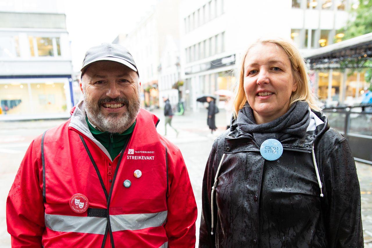 Mikael Gullikstad i Fagforbundet og Line Åmli i Creo mener de kjemper en likestillingskamp for teaterarbeiderne.